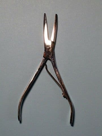 DE-BARBING / BARB CRUSHING PLIERS. ALSO IDEAL FOR PIN BONING YOUR FISH