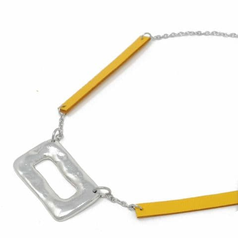 Short Ring Feature Necklace with Yellow Leather Chain Feature