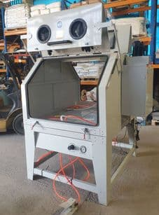 SBC1280 Large Sandblasting Cabinet With 2 Work Stations Complete With Dust Extractor
