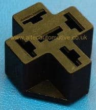 PCB (printed circuit board) mounted 4 or 5 pin relay/flasher base <BR>ALT/RELH002B-09