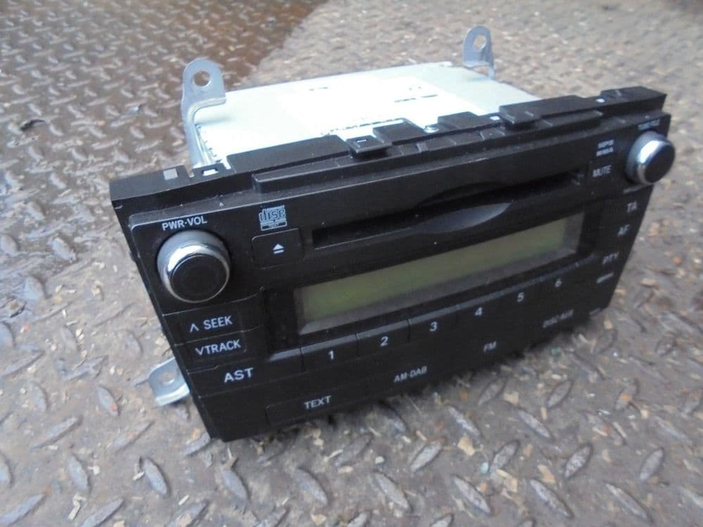 toyota avensis T27 - cd player (09-14)
