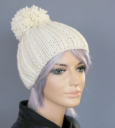 Chunky Knit Bobble Hat in Winter White