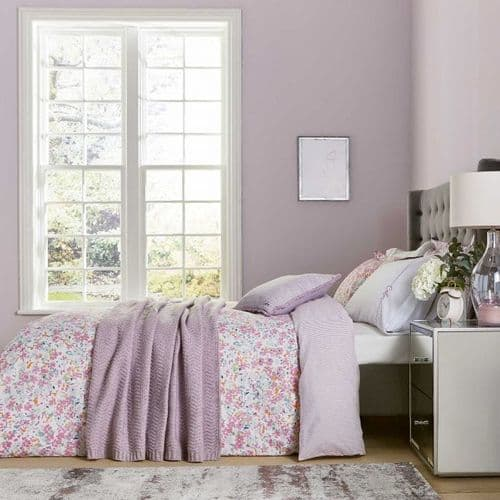 Katie Piper Calm Daisy Bedding in Pink/Lilac