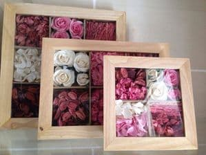 Set of Wall Frames - Pink