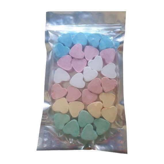 30 x Random Scented Mini Hearts Fizzers Bath Bubble & Beyond 10g